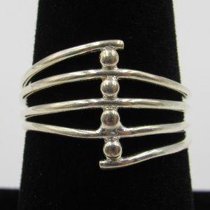 Vintage Size 8 Sterling Unique Design Band Ring